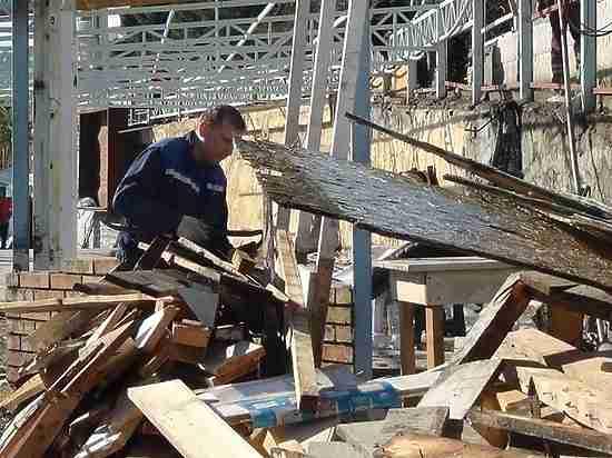 Зачистка и реконструкция Приморского пляжа началась в Ялте