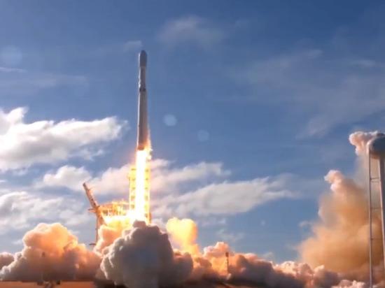 SpaceX Илона Маска впервый раз запустила сверхтяжелую ракету Falcon Heavy