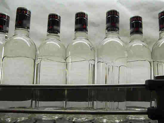 Чиновники объяснили, как правильно хранить водку