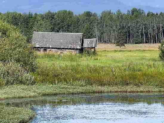 Жилье за миллион: домик в Крыму или два метра в Москве