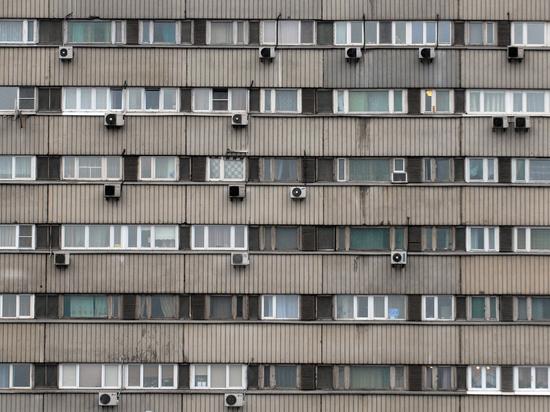 Подросток выжил после падения с 12-го этажа: очевидцы объяснили чудо