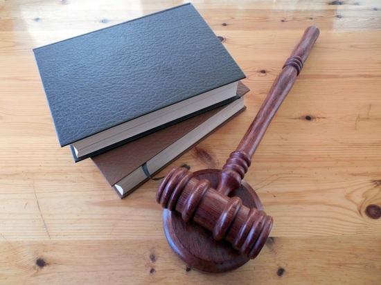 Суд признал удалившую грудь женщину мужчиной: детей не вернут