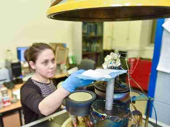 Российские ученые создали бинты, которые растворяются на коже