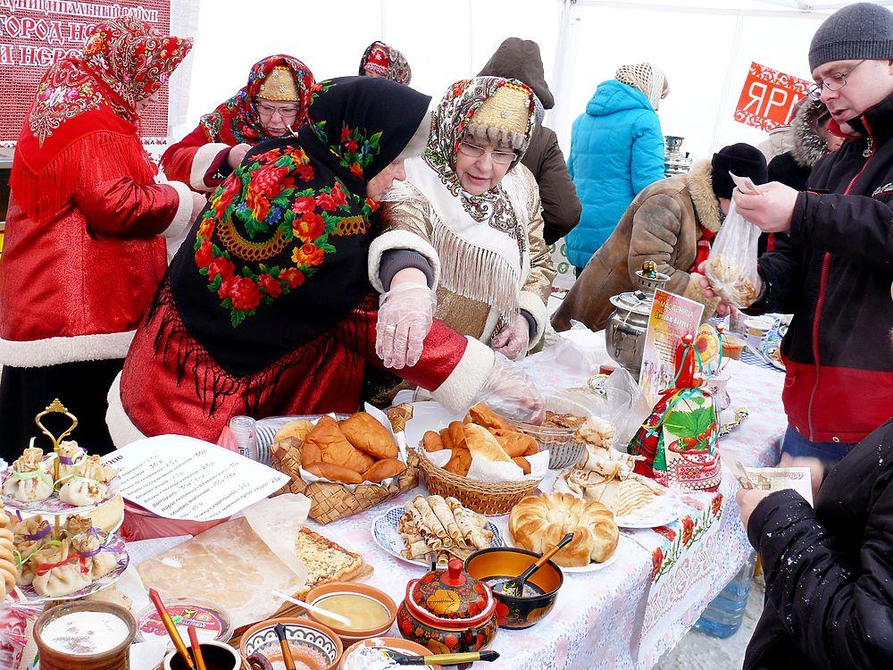 Зиму проводили по-русски весело и жарко