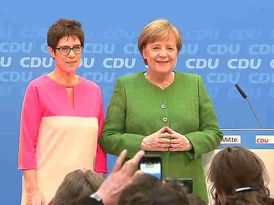 Руководителя  МИД ФРГ и Российской Федерации  должны обсудить ситуацию вСирии— Меркель