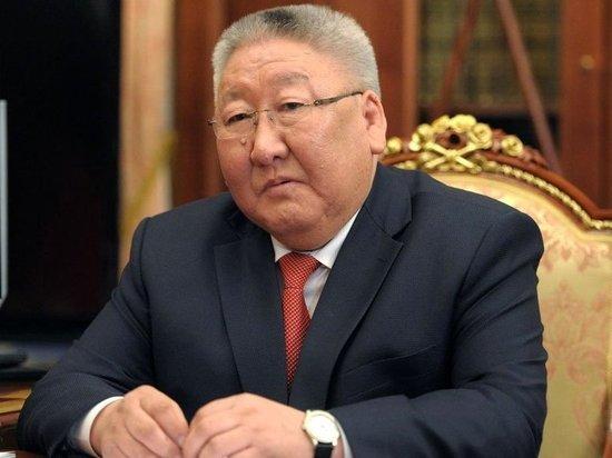 Появилось видео получения документов на посадку помощником главы Якутии