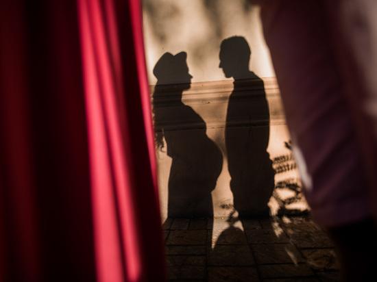 Почему астраханцы заключают брак с иностранцами?