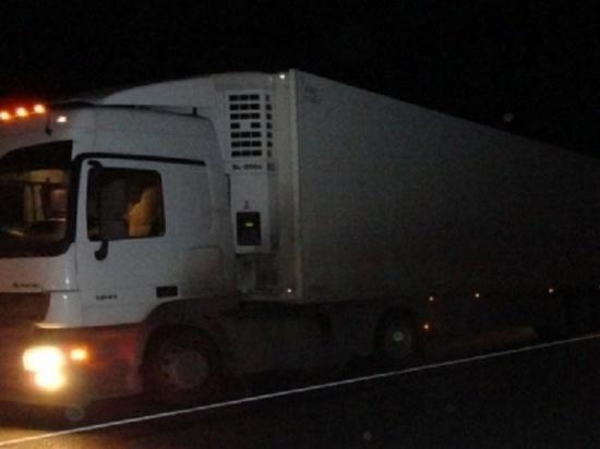 В Татарстане фуру и трактор разорвало после аварии