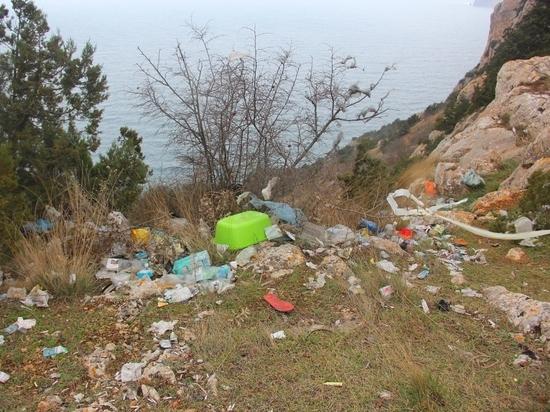 Мусорные горы Балаклавы: как очистить окрестности города