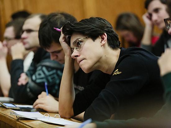 На раннюю профориентацию школьников выделят 1 млрд рублей вместо 30 млрд
