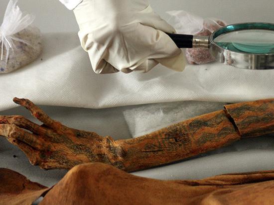 В Египте обнаружены мумии с первыми на Земле сложными татуировками