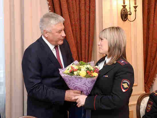 Глава МВД Колокольцев поздравил сотрудниц ведомства