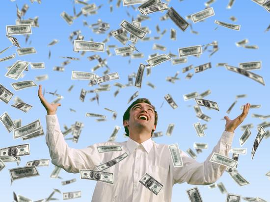 Число долларовых богачей в России за год выросло на четверть