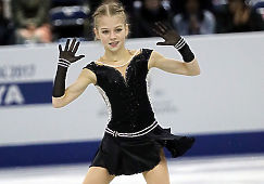 13-летняя россиянка Александра Трусова задала новую планку в женском фигурном катании: девочка впервые в истории чисто прыгнула два четверных прыжка в одной программе. Фигуристка заслуженно заняла первое место на чемпионате мира среди юниоров, поставив рекорд - 92,35 баллов за технические элементы в произвольной программе (олимпийская чемпионка Алина Загитова в Пченхчане получила 81,62).  Сама фигуристка больше обрадовалась тому, что смогла чисто откатать программу, а не самой победе. При этом Александра является большой фанаткой Евгении Медведевой и старается во всем ей подражать. Обе девушки, как и Загитова, тренируются у Этери Тутберидзе и тесно общаются. Саша родом из Рязани, ее мама ушла с работы, чтобы ездить с дочерью на тренировки, сборы и чемпионаты по всему миру, целиком посвятив себя ее спортивной карьере.