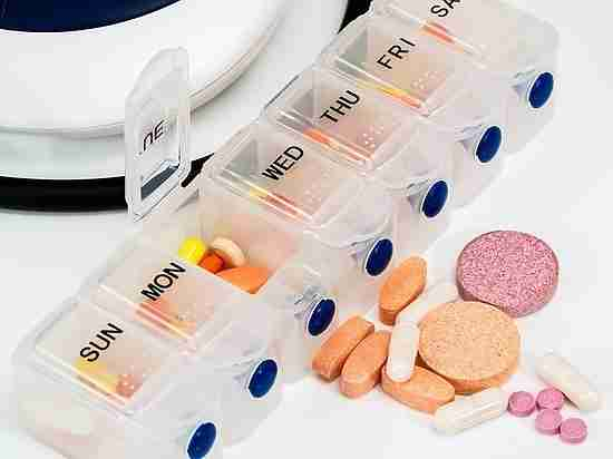 Названы шесть групп самых опасных лекарств