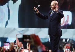 Президент России Владимир Путин на форуме «Россия» рассказал, в чем успех. «Мы обеспечим ее (России, - прим.ред.) будущее, и мы сделаем это вместе! Да?», — обратился Путин к участникам. - «Да!», - ответил ему зал.