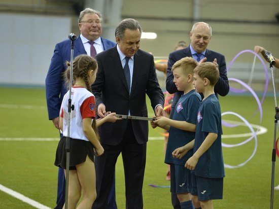 Виталий Мутко в Саранске открыл новый футбольно-легкоатлетического манежа