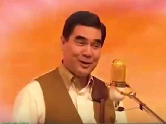 Президент Туркменистана «поставил науши» Youtube песней про Каракум