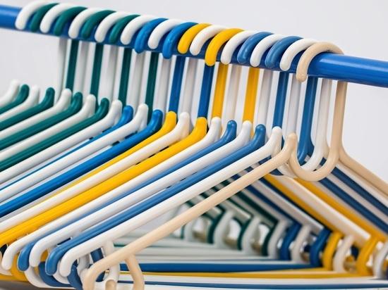 Раскрыта странная тайна номерков в гардеробах