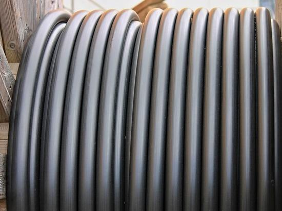 Курянин украл из многоэтажки кабель и лишил жителей доступа к интернету