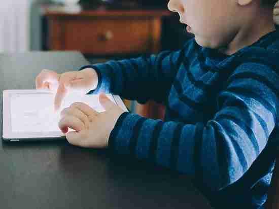 Какой учебник выбрать: электронный или бумажный