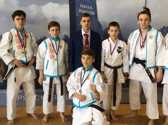 Тамбовские каратисты привезли с турнира ЦФО 10 медалей