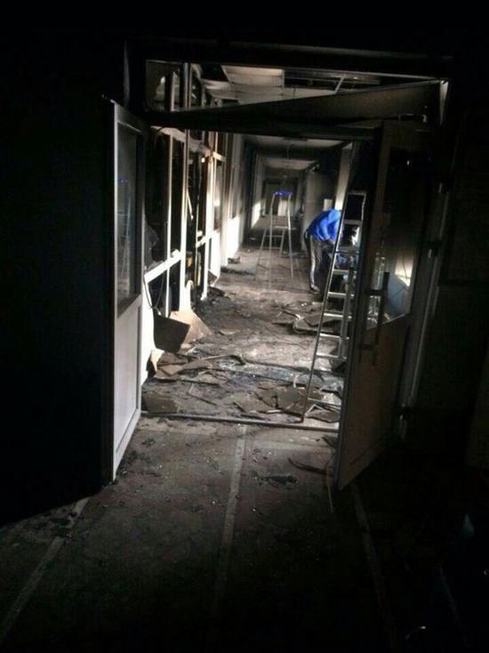 Странные фото выгоревшей гимназии в Перми: чиновники утверждают, сгорел диван