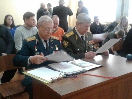 Екатеринбургский суд «приравнял» Ленина к Гитлеру