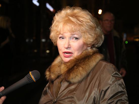 Нарусова решила попросить Путина освободить политзаключенных и намекнула на отставку