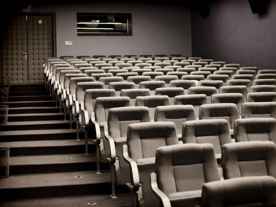 Российские кинотеатры обяжут перенести на первые этажи торговых центров