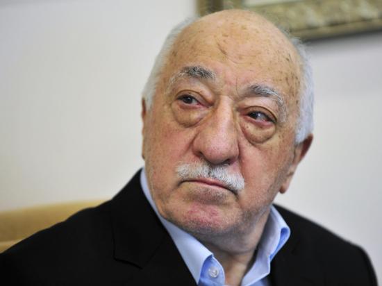 «Турецкий Троцкий»: почему Анкара винит Гюлена в убийстве посла Карлова