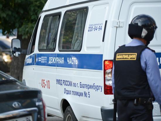 В Серове на двух мужчин упала стена: один погиб на месте