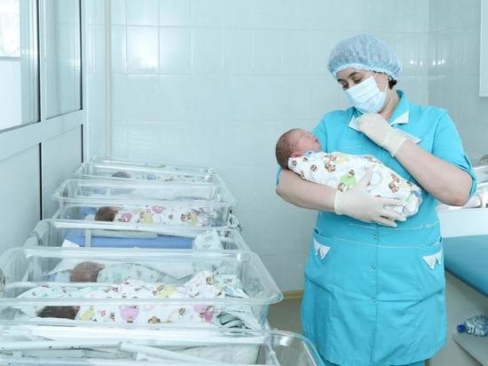 В Ульяновской области с начала года родились 2 825 малышей