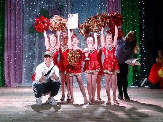 Юные гимнастки в порно видео