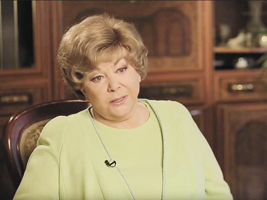 Эдита Пьеха прокомментировала свою госпитализацию