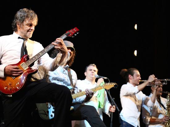 На разогреве на архангельском концерте известного музыканта выступит «Неизвестный композитор»