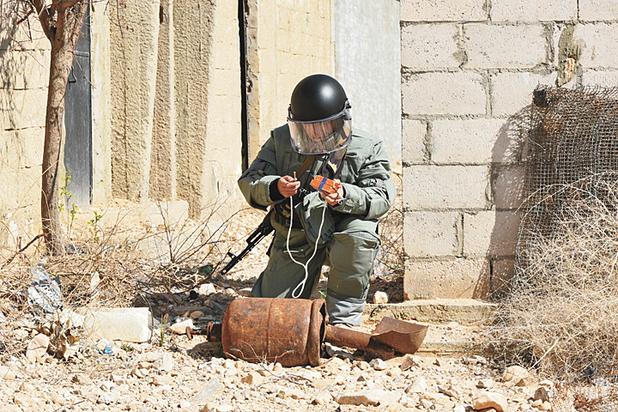 """Террористы кладут под ковры ""гирлянды"" для срабатывания бомб"""