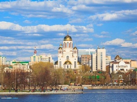 Свердловские пожарные и спасатели на два дня приведены в режим повышенной готовности