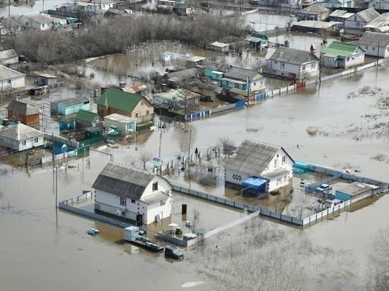 Вода отступила в 2-х районах Волгоградской области, девять подтоплены