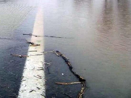 Подъезд к Оренбургу по трассе М-5 преградила река Сорочка