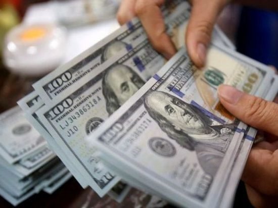 В Казани задержанного за взятку в 100 тысяч долларов США экс-начальника отдела угро не смогли сразу арестовать