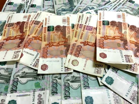 Рустам Минниханов повысил зарплаты министрам до 39 тысяч рублей