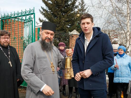 Алтай-Кокс помог доставить Благодатный огонь в православные храмы Алтайского края