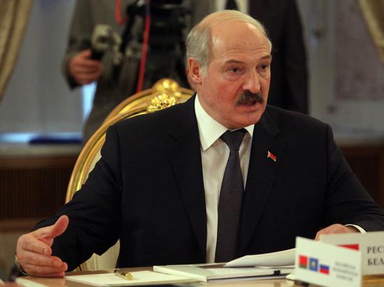 """Лукашенко разнёс безработных белорусов и взялся за """"тунеядцев"""" в России"""