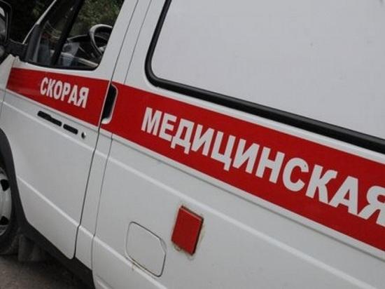 В Новотроицке парень сорвался с высоты, пытаясь забраться к девушке в окно