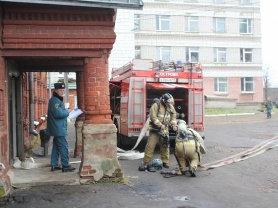 Наименее 15 мин. потребовалось пожарным наликвидацию возгорания вобластной клинике