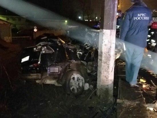 В ночном ДТП в Твери один ребёнок погиб, а второй в тяжёлом состоянии