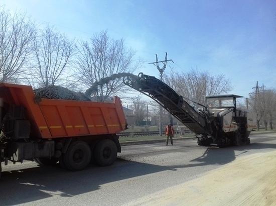 С улицы 51-й Гвардейской Дивизии в Волгограде снимут старый асфальт