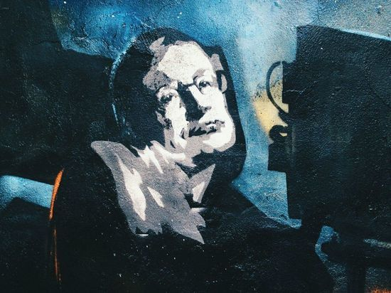 Граффити со Стивеном Хокингом появилось в Петербурге