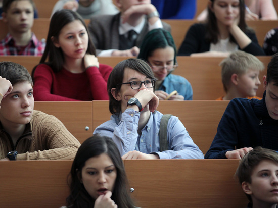 Девятиклассников вПетербурге протестируют назнание русского языка